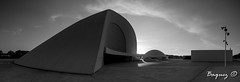 Niemeyer Cultural Center, Avils. (Baquez) Tags: blackandwhite bw espaa blancoynegro niemeyer architecture spain arquitectura asturias panoramic panoramica aviles baquez yanlb