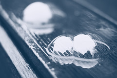 Reflection (garlick.rachel) Tags: bubble bubbles refelction shadows splittone shine reflect