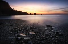El atardecer en Silencio (niripla) Tags: playadelsilencio asturias atardecer sunset rocas piedras mar