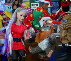 Evil Poppy (MiskatonicNick) Tags: toyville clearancebin christmas newyear lockin 2017 2016 playscale diorama sixthscale 16 poppyparker integritytoys wicket ewok hasbro