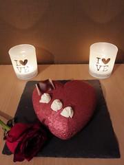 Joyeuse Saint Valentin! (Claire Coopmans) Tags: coeur saint valentin saintvalentin chocolat chocolate chantilly cacao gâteau gateau mousse spéculoos biscuit croustillant crepesdentelles amour love rouge