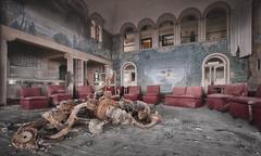 Allez danse, danse, autour de moi...  Allez tourne, tourne, ne t'arrête pas... (ElfeMarie) Tags: dancing nightclub boite de nuit abandonné abandoned ruine rusty creepy decay lost forgotten urbex