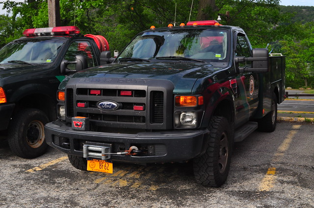 ny newyork ford firetruck warner fireengine f350 parkranger stonypoint rocklandcounty fseries brushtruck bearmountainstatepark nyspr newyorkstateparkranger