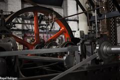 MUMI (Asturias) (Dinacast) Tags: rojo asturias mina rueda mumi máquina engranaje museominero