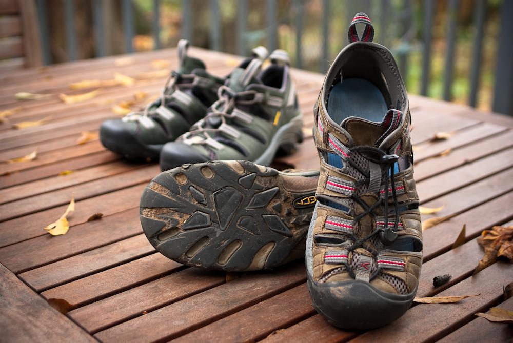 giày du lịch