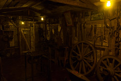 Blacksmtih (Abner Neves) Tags: old orange metal brasil canon vintage dark iron antique steel steam viagem horseshoe blacksmith rs vapor canela anvil steampunk gramado