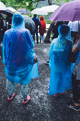 close (elie_corbex) Tags: asia japan travel street streetphotography pentax sigma vsco film kyoto rain blue couple