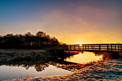 Golden winter (frata60) Tags: nikon tokina d300s 1224mm drenthe dreamworld dreamy drentse dreamland netherlands nederland landscape landschap bridge brug sun sunrise zonsopgang zon winter aa ice frost vrieskou vriezen koud kou cold weerspiegeling reflection reflections reflectie