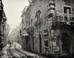 Snow in Taormina / Neve a Taormina (January 2017) (Angelo Bosco) Tags: taormina snow snowfall neve nevicata sicily sicilia inverno winter