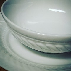 Day 7/365: Beautiful white dishes #mintywhite #cy365 #cy365hcosmo2017 #plates #bowl #tablescape #photojourney #myjourneytohappiness (hlogancosmo) Tags: tablescape photojourney mintywhite myjourneytohappiness bowl cy365 plates cy365hcosmo2017