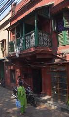 Kolkata streets 1 (victoriaei) Tags: india kolkata october streetscenes street people outdoors bengal autumn travel d5300 indianstreetphotography streetphotography asia nikon