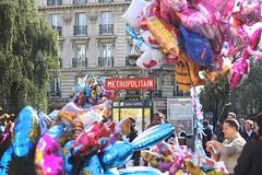 Welcome to Jules Joffrin (Nomie Pottiez) Tags: street paris happy montmartre julesjoffrin