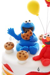 Cookie Monster (Little Cottage Cupcakes) Tags: birthday cake balloons rainbow elmo sesamestreet cookiemonster fondant sugarpaste boycake littlecottagecupcakes furchesterhotel