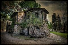 (143/15) La Casa de la Vieja III (Parque del Capricho - Madrid) (Pablo Arias) Tags: madrid parque espaa photoshop spain arquitectura cielo hdr texturas photomatix alamedadeosuna pabloarias