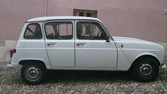 R4 (jomaot) Tags: auto france car french frankreich parking grau voiture renault r4 fahrzeug parken französisch automobil klassiker pkw jomaot