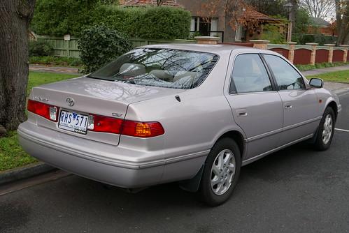 2001 Toyota Camry (SXV20R) CSX sedan