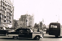 Cairo '59 (TrueVintage) Tags: street cars egypt cairo 1950s oldphoto autos foundphoto ägypten vintagecars 1959 vintagephoto kairo strase vintageegypt