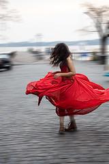 Red Dress Tornado (Tobias Mayr) Tags: rot rojo chica twist twirl mdchen vestido kleid drehen rotieren