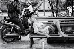 Dozer (Tommy K Le) Tags: streettogs streetphoto sleeping nap bench bike dozing saigon vietnam fujifilmxt1 asia street open