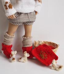 pieski3 (Maria Kłopotowska) Tags: puppies puppy dog beagle sweater intarsia doll littledarling blonde wigknitted hand