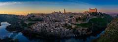Toledo sunset (Spain) (el vuelo del escorpión) Tags: spain españa pano panorámica panorama castilla toledo blue fuji 1855 xe2 golden