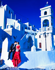 Happy Couple (Derek Giovanni Photography) Tags: portrait contrast santorini couple imerovigli portraits engagement greece vacation blue vacations red egeo gr