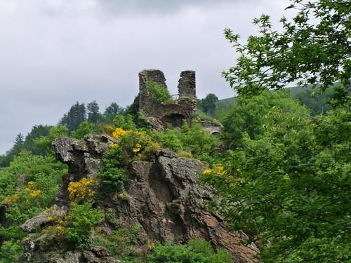 Blauzac. Château de Peyrolès.