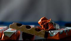 """Leckerchen für die """"Kleinen"""" (Günter Hentschel) Tags: schokolade lecker lebensmittel süs kinderschokolade deutschland germany germania alemania allemagne europa nrw hentschel flickr günter indoor nikon nikond5500 motiv süsigkeiten"""