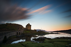 Eilean (Tony N.) Tags: longexposure morning bridge sky bw castle film clouds sunrise movie scotland highlands europe highlander ciel pont chateau nuages eilean donan manfrotto matin leverdesoleil ecosse dornie eileandonancastle poselongue d810 nd110 tonyn tonynunkovics