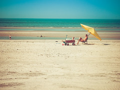My yellow umbrella (Thank you for 1000 views.) (@DinAFoto) Tags: sky holland beach netherlands yellow strand umbrella landscape meer himmel gelb ameland landschaft nordsee niederlande northsee sonnenschirm cononpowershotg15