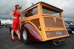 Holly Wood (Fast an' Bulbous) Tags: santa red summer england woman hot sexy classic stockings girl beautiful beauty car pits hair drag high pod nikon automobile long dress wind outdoor july gimp windy babe chick american strip heels vehicle oldtimer nylon stilettos nylons showshine d7100 dragstalgia