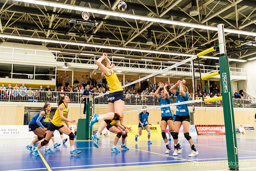 "3. Heimspiel vs. Volleyball-Team Hamburg • <a style=""font-size:0.8em;"" href=""http://www.flickr.com/photos/88608964@N07/32003260023/"" target=""_blank"">View on Flickr</a>"