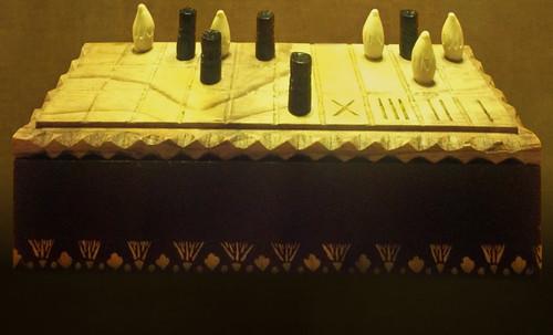 "Senet - Lujoso sistema de objetos lúdicos obsequio del dios Toht a la faraona Nefertari • <a style=""font-size:0.8em;"" href=""http://www.flickr.com/photos/30735181@N00/32521948935/"" target=""_blank"">View on Flickr</a>"