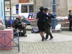 Tango! (tim ellis) Tags: holiday argentina dance buenosaires tango boca msh0306 msh03062 mshbest mshbest1 bigpicture2008 flashswap flashswapexhibit