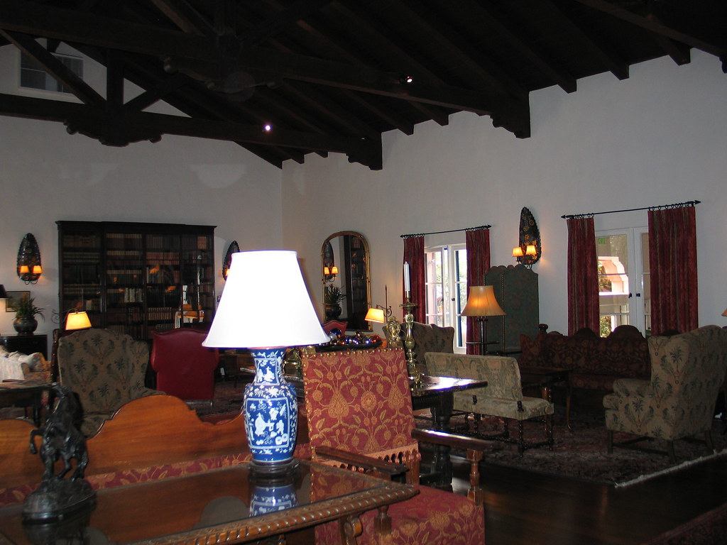 Arizona Inn Library