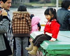 Photo shooting (manganite) Tags: girls red people lake cute men film colors beautiful beauty fashion japan kids children asian japanese asia pretty ship minolta tl candid style kawaii  onecolor nippon hakone nihon stylish ashinoko 7000 thecolorred manganite date:year=2005
