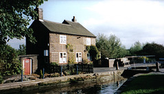 Glascote, Tamworth (Nyaminyami) Tags: canal staffordshire tamworth 15favourites coventrycanal glascote