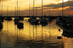 Golden Bay (ronrag) Tags: sunset d50 boat interestingness popolo manilabay ybp popolo2 popolo3 unpopolo unpopolo2 popolo4 unpopolo3 dontgiveapopolo dontgiveapopolo3 dontgiveapopolo2 dontgiveapopolo5 dontgiveapopolo4 dontgiveapopolo6 dontgiveapopolo7 nikonstunninggallery