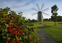 Windmill in New England (` Toshio ') Tags: flowers windmill tag3 taggedout landscape tag2 tag1 newengland rhodeisland middletown 1on1 toshio 123travel worldthroughmyeyes 123travelgrouptag3