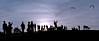 Tarde de cometas (brunoat) Tags: park parque london backlight contraluz lafotodelasemana kites heath londres hampstead hampsteadheath cometas lmff lfscontraluces brunoat challengeyouspecial012nd brunoabarca cyspecialchallenge2nd
