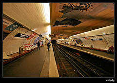 Metro Paris (Jeroen van Vliet [bsidez]) Tags: paris france station architecture train underground subway metro 9 parijs bsidez