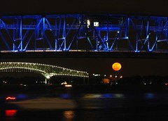 Bridging the Moon (Pauls Travel Photos) Tags: street bridge moon st river rising florida main 14 2006 moonrise april jacksonville johns