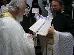 Monastics and Faithful (Olympiada) Tags: priest procession pastor hieromonk dioceseofthewest orthodoxchurchinamerica brightmonday stnicholasorthodoxchurch resurrectiongospels