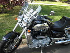 Triumph Rocket III (dwrichards) Tags: triumph motorcycle windscreen roadster triumphmotorcycle rocketiii corbinrumbleseat 2300cc