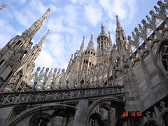 Madonna on Top (AnnuskA  - AnnA Theodora) Tags: sky italy milan topf25 milano madonna catedral marble duomo milo mrmore abigfave