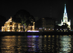 Bangkok River Thailand Night (hn.) Tags: city urban copyright reflection building church water night buildings reflections river thailand town agua asia asien eau heiconeumeyer seasia soasien southeastasia sdostasien wasser nightshot nacht bangkok flus faith religion churches kirche kirchen belief rivers stadt metropolis asie fluss nuit spiegelung confession chaophraya nachtaufnahme chaophrayariver edifice edifices copyrighted chaophaya spiegelungen dinnercruise grosstadt flsse megacity chaophayariver konfession chaophya chaophyariver