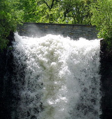 Minnehaha Falls Minneapolis Minnesota (Jim's outside photos) Tags: park fall nature water sunshine minnesota river waterfall photos outdoor parks minneapolis falls spray waterfalls cascade mn sparkling minnehaha outdoorphotos outdoorphotography jimbrekke jimsoutsidephotos jamesbrekke jimbrekkecom jamesbrekkecom