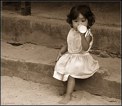 Just a little girl from Bali (Lionoche) Tags: people bali sepia children child quality enfant spia interestingness392 i500 judgementday525 explore392may22 beautifulbali
