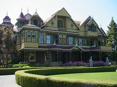 Winchester Mystery House - front - by TheOtter