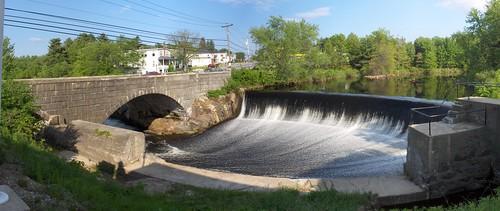 merrimack-dam-memorial-2006-pano.jpg